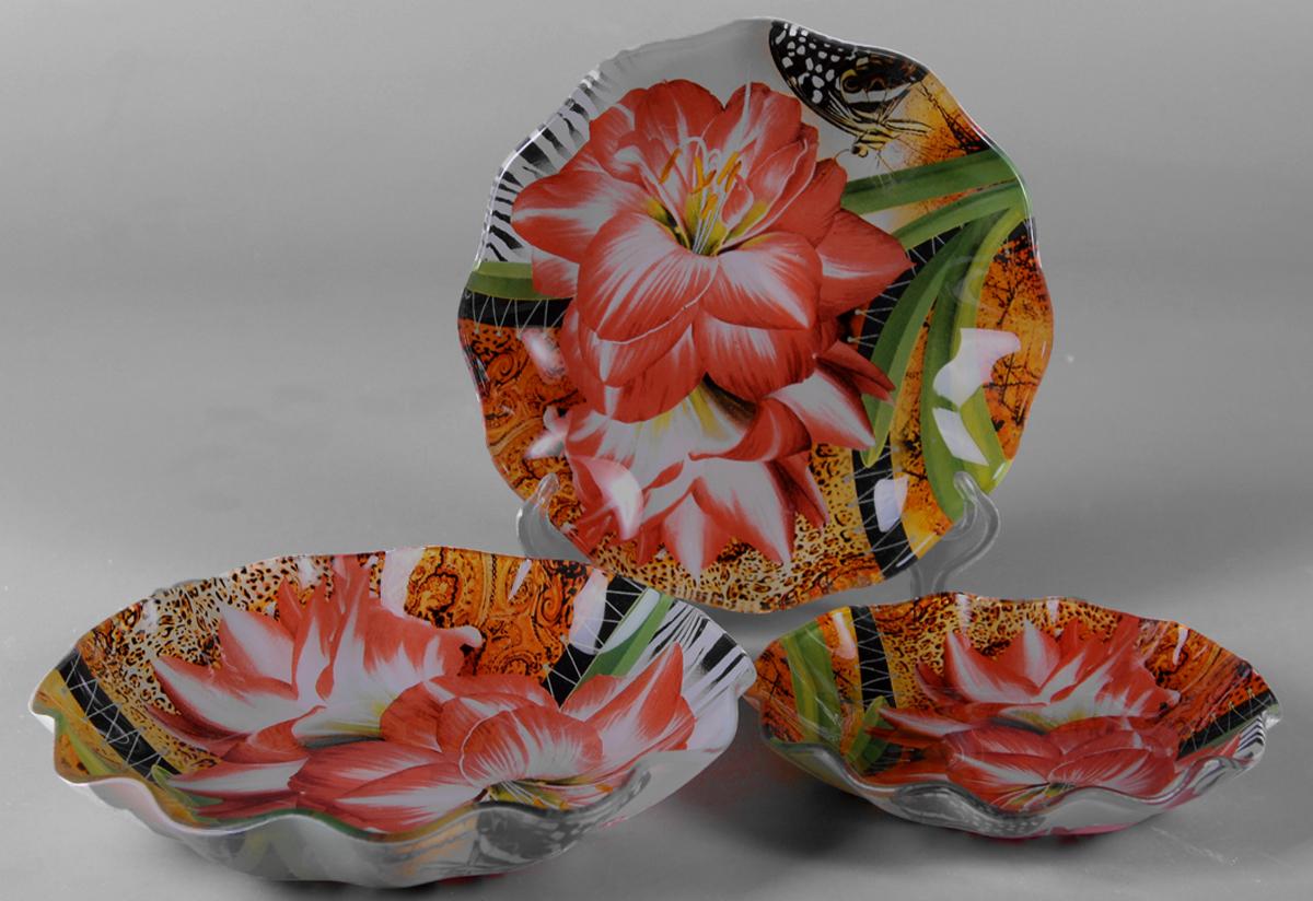 Набор салатников Olaff Цветы, 3 шт. ZY-MD-TSYBW-7941625396Набор Olaff Цветы состоит из трех круглых салатников разных размеров. Изделия,изготовленные из высококачественного стекла, оформлены рельефным краем и красочнымизображением цветов. Такие салатники сочетают в себе изысканный дизайн с максимальной функциональностью.Оригинальность оформления придется по вкусу тем, кто предпочитает утонченность иизящность.Набор салатников Olaff Цветы украсит сервировку вашего стола и подчеркнет прекрасный вкусхозяйки, а также станет отличным подарком. Диаметр салатника (по верхнему краю): 14 см; 18 см; 22 см.