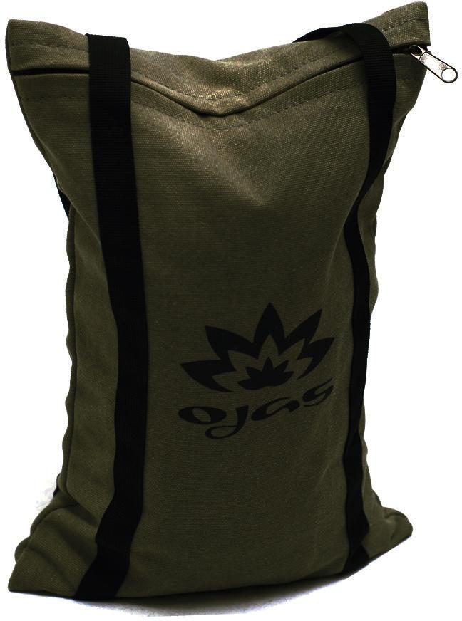 Мешок для йоги Yogin Sandbag, с песком, цвет: хаки, 5 кг2000102736430Мешок для йоги Yogin Sandbag с песком - мягкие утяжелители, которые используются в йоге, пилатесе и других практиках вытяжения и расслабления. Положив мешок с песком на ноги или корпус, можно надежно зафиксировать тело в асане и эффективно проработать растяжки.Мешок изготовлен из прочной хлопковой ткани, он был неоднократно протестирован, что гарантирует долгий срок службы даже при активном использовании.Конструкция ручек, проходящих сквозь всю поверхность мешка, делает мешок удобным для переноски, добавляет дополнительную прочность и исключает возможность разрыва.Верхний чехол легко снимается с помощью потайной молнии: его можно стирать.Вес: 5 кгВнутри мешка: крупный промытый речной песокРазмеры: длина — 35 см, ширина — 17 см