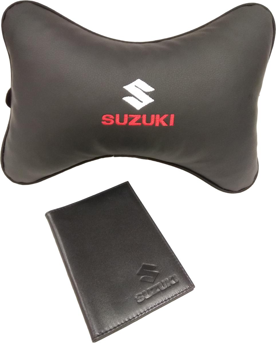Подарочный набор автомобилисту Auto Premium, с логотипом Suzuki, 2 предмета67815Лаконичный подарок любому автолюбителю. Подушка в салон автомобиля с индивидуальной вышивкой добавит комфорта при поездке в автомобиле. Бумажник водителя с тиснением автологотипа выполнен из натуральной кожи и имеет презентабельный внешний вид. На внутреннем развороте обложки имеются все необходимые карманы для хранения автодокументов.