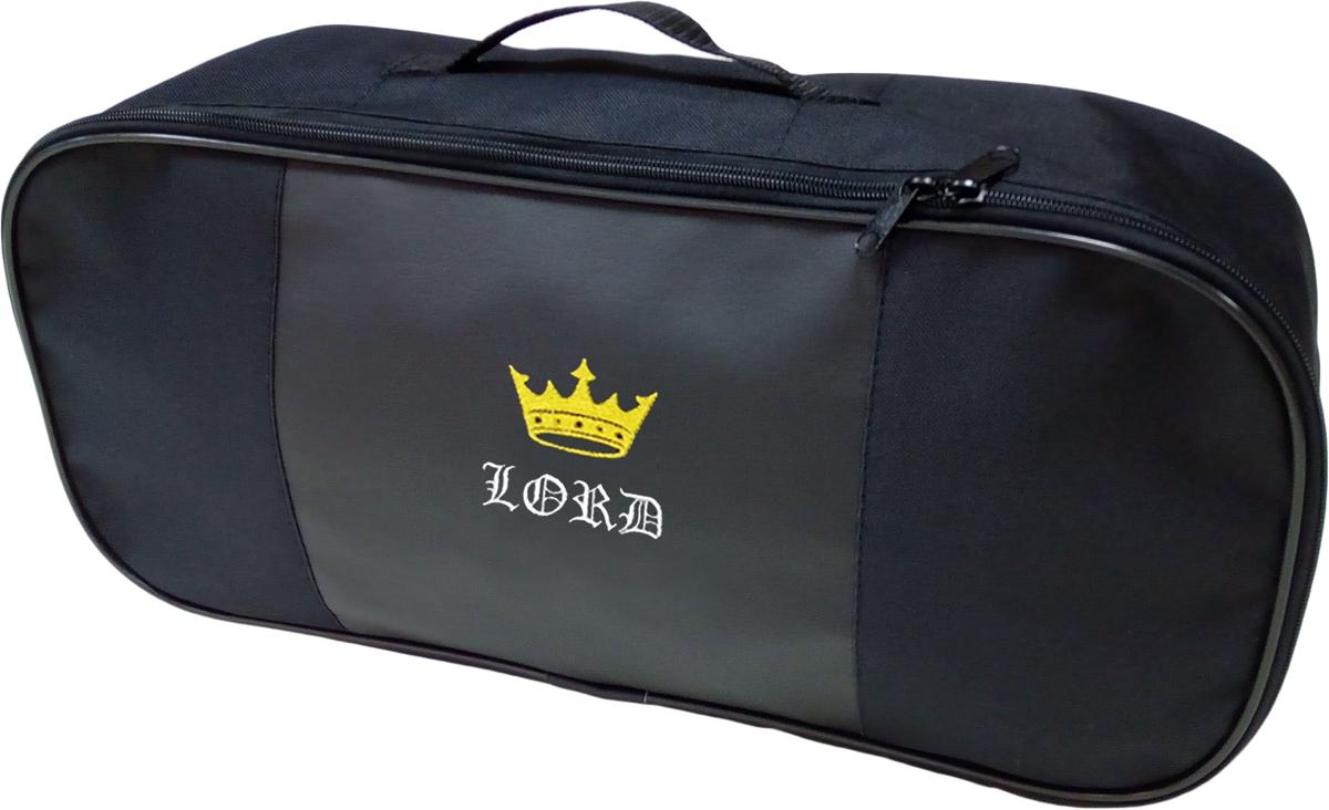 Набор аварийный в сумке Auto Premium, с логотипом Лорд + жилет светоотражающий, размер XL. 6749967499Автомобильный набор в сумке с логотипом оснащен базовыми элементами, которые необходимы каждому автолюбителю. Состав набора:- аптечка первой помощи автомобильная; - трос буксировочный 5т/пет/пакет;- Огнетушитель порошковый ОП-2(з) -АВСЕ, с металлическим ЗПУ;- знак аварийной остановки; - сумка для набора техосмотра Премиум со вставкой из экокожи и вышивкой. Размер сумки 47х21х13.- жилет сигланьный со светоотражающими полосами.