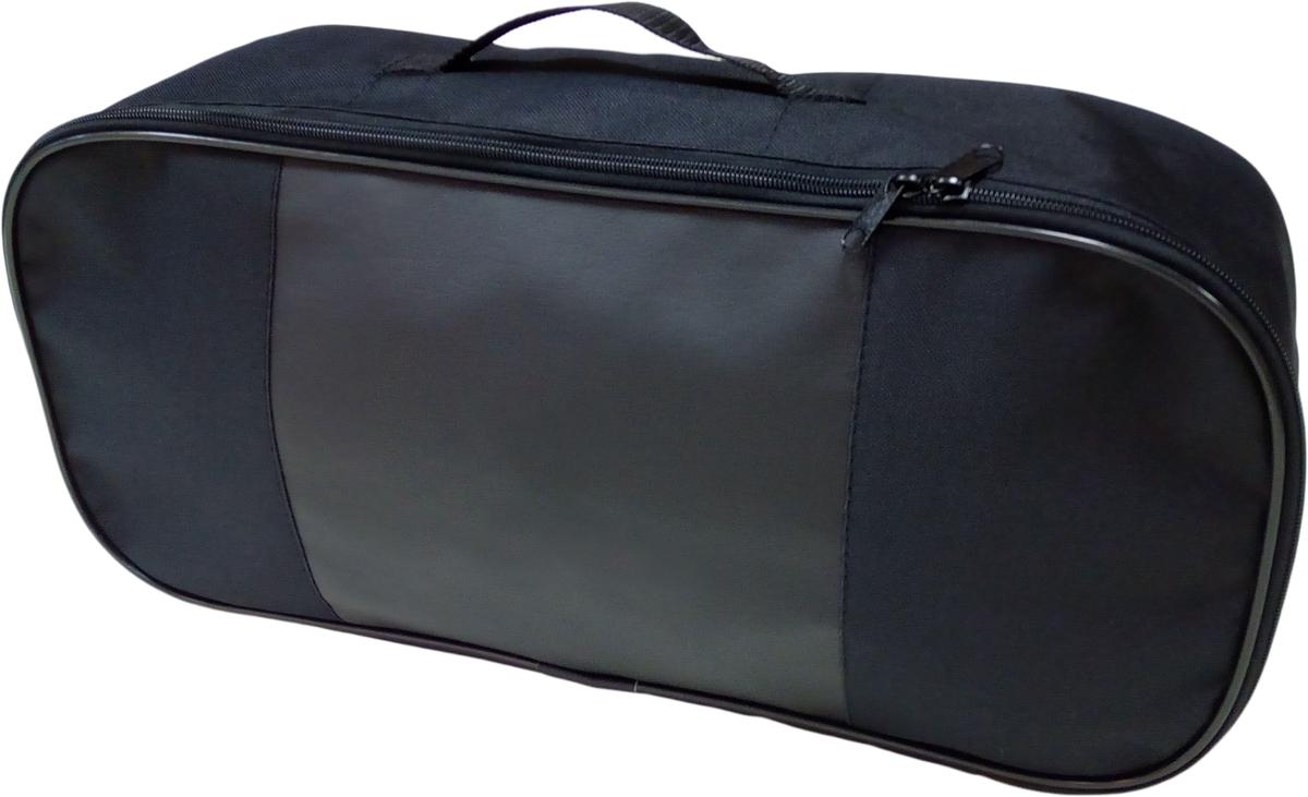 Набор аварийный в сумке Auto Premium, без логотипа + жилет светоотражающий, размер XL. 6746167461;67461Набор аварийный в сумке Auto Premium оснащен базовыми элементами, которые необходимы каждому автолюбителю. Состав набора:- аптечка первой помощи автомобильная;- трос буксировочный 5т/пет/пакет;- огнетушитель порошковый ОП-2(з); - АВСЕ, с металлическим ЗПУ;- знак аварийной остановки; - сумка для набора техосмотра Премиум со вставкой из экокожи и вышивкой; - жилет сигнальный со светоотражающими полосами, размер XL.Размер сумки: 47 х 21 х 13 см.