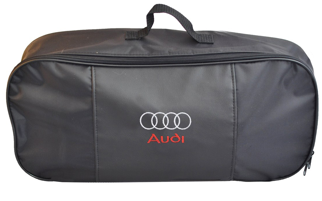 Набор аварийный в сумке Auto Premium, с логотипом Audi + жилет светоотражающий, размер XL. 6746667466Набор аварийный в сумке Auto Premium оснащен базовыми элементами, которые необходимы каждому автолюбителю. Состав набора:- аптечка первой помощи автомобильная;- трос буксировочный 5т/пет/пакет;- огнетушитель порошковый ОП-2(з); - АВСЕ, с металлическим ЗПУ;- знак аварийной остановки; - сумка для набора техосмотра Премиум со вставкой из экокожи и вышивкой; - жилет сигнальный со светоотражающими полосами, размер XL.Размер сумки: 47 х 21 х 13 см.
