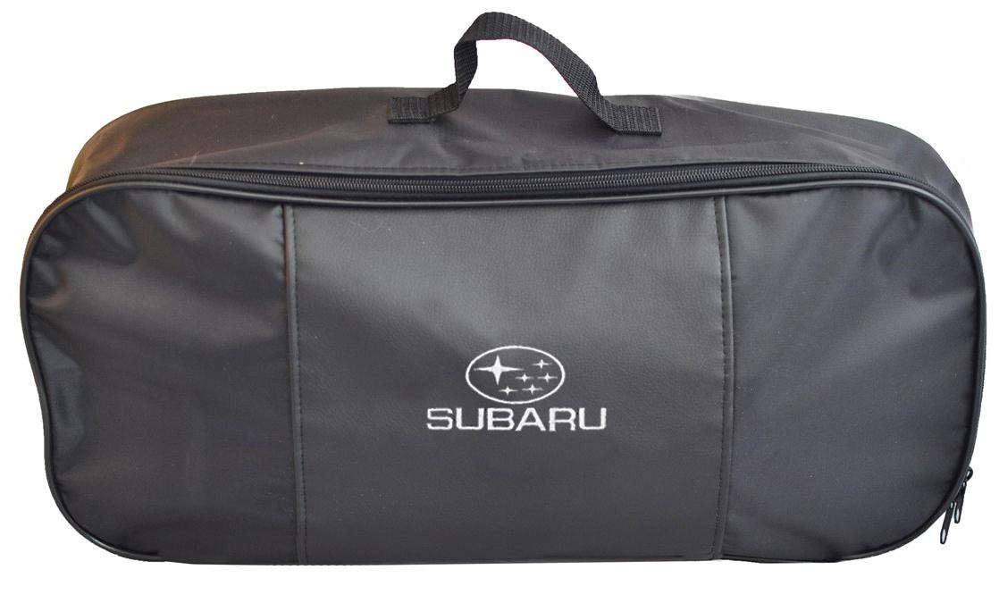 Набор аварийный в сумке Auto Premium, с логотипом Subaru + жилет светоотражающий, размер XL. 6747067470Набор аварийный в сумке Auto Premium оснащен базовыми элементами, которые необходимы каждому автолюбителю. Состав набора:- аптечка первой помощи автомобильная;- трос буксировочный 5т/пет/пакет;- огнетушитель порошковый ОП-2(з); - АВСЕ, с металлическим ЗПУ;- знак аварийной остановки; - сумка для набора техосмотра Премиум со вставкой из экокожи и вышивкой; - жилет сигнальный со светоотражающими полосами, размер XL.Размер сумки: 47 х 21 х 13 см.