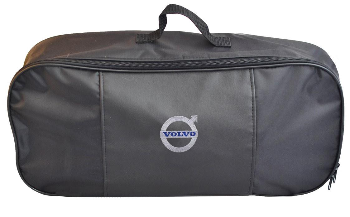 Набор аварийный в сумке Auto Premium, с логотипом Volvo + жилет светоотражающий, размер XL. 6747167471Автомобильный набор в сумке с логотипом оснащен базовыми элементами, которые необходимы каждому автолюбителю. Состав набора:- аптечка первой помощи автомобильная; - трос буксировочный 5т/пет/пакет;- Огнетушитель порошковый ОП-2(з) -АВСЕ, с металлическим ЗПУ;- знак аварийной остановки; - сумка для набора техосмотра Премиум со вставкой из экокожи и вышивкой. Размер сумки 47х21х13.- жилет сигланьный со светоотражающими полосами.