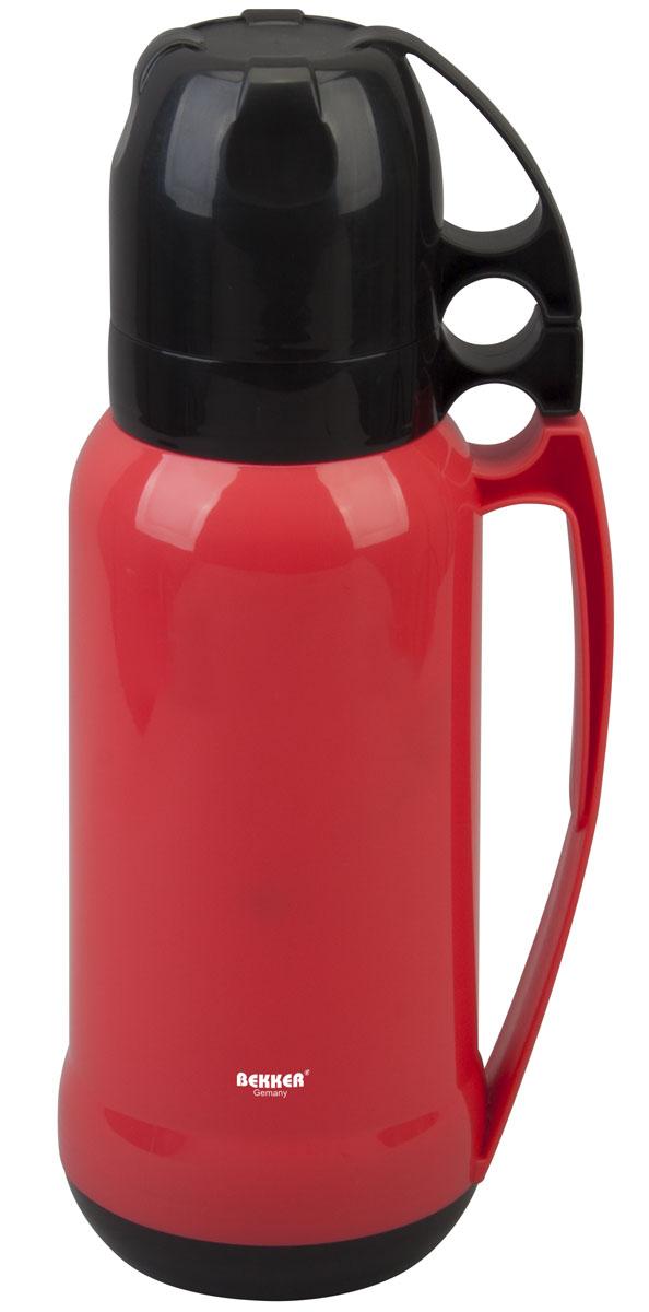 Термос Bekker Koch, с кружками, цвет: красный, 1,8 л контейнер пищевой вакуумный bekker koch прямоугольный 1 1 л