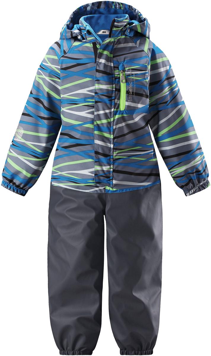 Комбинезон детский Lassie, цвет: синий. 7207216611. Размер 1167207216611Теплый детский комбинезон Lassie by Reima идеально подойдет для ребенка в прохладное время года. Комбинезон изготовлен из водоотталкивающей и ветрозащитной ткани. Материал отличается высокой устойчивостью к трению, благодаря специальной обработке полиуретаном поверхность изделия отталкивает грязь и воду, что облегчает поддержание аккуратного вида одежды. Комбинезон с рукавами-реглан и съемным капюшоном застегивается на застежку-молнию и дополнительно имеет внешний ветрозащитный клапан на липучках и защиту подбородка. Капюшон, присборенный по бокам, защитит нежные щечки от ветра, он пристегивается к комбинезону при помощи металлических кнопок и застегивается под подбородком клапаном на липучку. Края рукавов дополнены неширокими эластичными манжетами. Мягкая подкладка на воротнике, капюшоне и манжетах обеспечивает дополнительный комфорт. Спереди комбинезон дополнен одним карманом на молнии. На спинке по линии талии имеется широкая эластичная резинка. В области ягодиц и колен предусмотрены вставки из высокопрочного материала. Снизу брючин предусмотрены прорезиненные съемные штрипки, одевающиеся на ступню и не дающие комбинезону ползти вверх. Оформлено изделие оригинальным принтом.Комфортный, удобный и практичный комбинезон идеально подойдет для прогулок и игр на свежем воздухе!