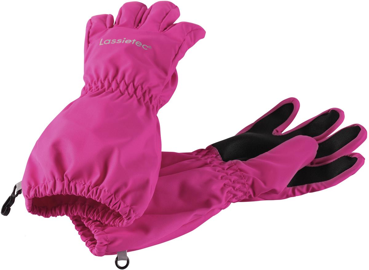 Перчатки детские Lassie, цвет: розовый. 7277064680. Размер 37277064680Дышащие детские перчатки изготовлены из очень износостойкого и абсолютно водонепроницаемого материала. В них предусмотрена водонепроницаемая мембрана и трикотажная подкладка из полиэстера с начесом. Усиления на ладони, кончиках пальцев и на большом пальце позволяют крепко держать в руках разные сокровища, найденные во время весенних приключений на природе, а еще хорошо согревают ручки. Сверху снабжены светоотражающим элементом.