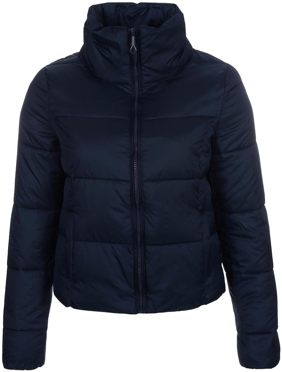 Куртка женская Only, цвет: темно-синий. 15145313_Black Iris. Размер M (44)15145313_Black IrisСтильная женская куртка Only выполнена из стеганого текстиля и утеплена синтепоном. Укороченная модель прямого кроя с высоким воротником-стойкой, надежно защищающим от ветра, застегивается на молнию и дополнена двумя прорезными карманами. Манжеты рукавов с внутренней стороны собраны на резинку.