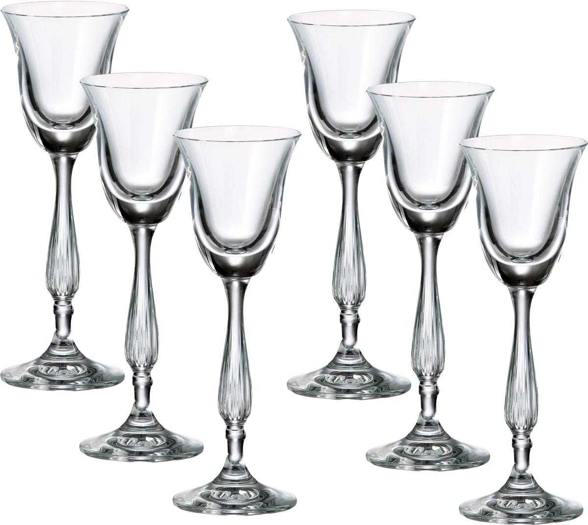 """Набор Crystalite Bohemia """"Антик"""" состоит из 6 рюмок, выполненных из богемского стекла. Удобная расклешенная чаша, красивая резная ножка рюмок не оставят равнодушными ни вас, ни ваших гостей.   Выдувное хрустальное стекло с добавлением окиси титана и дополнительный обжиг края придают изделиям  повышенную прочность и надежность. Бокалы из богемского стекла - это высокое качество, неповторимый бриллиантовый блеск, легкость и  прозрачность, естественный плавный силуэт. Богемское стекло - это дутое стекло, которое изготовляется в Чехии с незапамятных времен. Свое название это  стекло унаследовало от названия местности Богемия, в котором много лет назад проживали кельтские племена.  В Средние века монах Теофил придумал новую методику изготовления богемского стекла при помощи  добавления в состав буковой золы и кремниевого песка. В XV - XVI веках появляется цветное богемское стекло.  Стеклодувы получали различные оттенки материала путем добавления в состав различных минералов: фосфор,  золото, марганец, оксид железа, титан и д.р. Сегодня эта чешская продукция славится за соединение  многовековых традиций и новейших веяний в области дизайна. Богемское стекло и хрусталь всегда в моде."""
