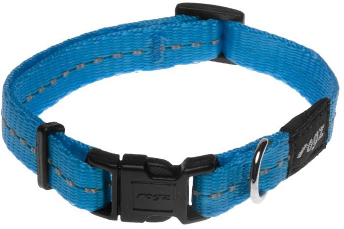 Ошейник для собак Rogz Utility, цвет: голубой, ширина 1,1 см. Размер SHB14FОшейник для собак Rogz выполнен из нейлона высокой прочности. Особое плетение полотна способствует увеличению уровня прочности и защиты. Специальная конструкция пряжки Rog Loc - очень крепкая (система Fort Knox). Замок может быть расстегнут только рукой человека.Светоотражающая нить, вплетенная в нейлоновую ленту - для обеспечения лучшей видимости собаки в темное время суток.Технология распределения нагрузки позволяет снизить нагрузку на пряжки, изготовленные из титанового пластика, с помощью правильного и разумного расположения грузовых колец.Особые контурные пластиковые компоненты. Специальная округлая форма конструкции позволяет ошейнику комфортно облегать шею собаки.Выполненные специально по заказу ROGZ литые кольца гальванически хромированы, что позволяет избежать коррозии и потускнения изделия.