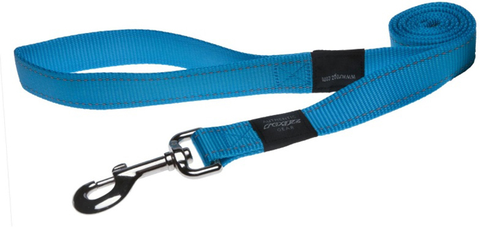 Поводок для собак Rogz Utility , цвет: голубой, ширина 2,5 см. Размер XLHL05FВидимость ночью. Светоотражающая нить, вплетенная в нейлоновую ленту - для обеспечения лучшей видимости собаки в темное время суток. Специальная конструкция пряжки Rog Loc - очень крепкая (система Fort Knox). Замок может быть расстегнут только рукой человека. Технология распределения нагрузки позволяет снизить нагрузку на пряжки, изготовленные из титанового пластика, с помощью правильного и разумного расположения грузовых колец, благодаря чему, даже при самых сильных рывках, изделие не рвется и не деформируется.Выполненные специально по заказу ROGZ литые кольца гальванически хромированы, что позволяет избежать коррозии и потускнения изделия.