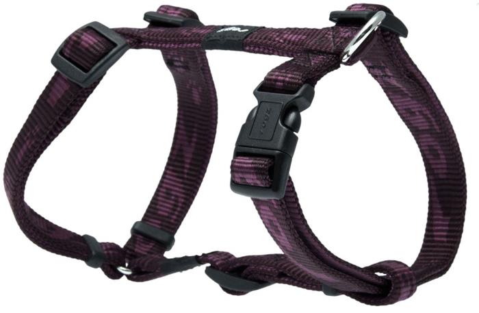 Шлейка для собак Rogz Alpinist, цвет: фиолетовый, ширина 1,6 см, обхват шеи 26-40 см, обхват груди 32-52 см. Размер MSJ23EОсобо мягкая, но очень прочная лента обеспечит безопасность на прогулке даже самым активным собакам.Все соединения деталей имеют специальную дополнительную строчку для большей прочности.Специальная конструкция пряжки Rog Loc - очень крепкая (система Fort Knox). Замок может быть расстегнут только рукой человека. Технология распределения нагрузки позволяет снизить нагрузку на пряжки, изготовленные из титанового пластика, с помощью правильного и разумного расположения грузовых колец, благодаря чему, даже при самых сильных рывках, изделие не рвется и не деформируется.Выполненные специально по заказу ROGZ литые кольца гальванически хромированы, что позволяет избежать коррозии и потускнения изделия.