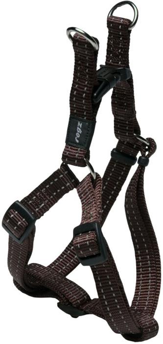 Шлейка для собак Rogz Utility, разъемная, цвет: коричневый, ширина 1,6 см, обхват шеи 26-40 см, обхват груди 32-52 см. Размер MSSJ11JВидимость ночью. Светоотражающая нить, вплетенная в нейлоновую ленту для обеспечения лучшей видимости собаки в темное время суток. Специальная конструкция пряжки Rog Loc - очень крепкая (система Fort Knox). Замок может быть расстегнут только рукой человека. Технология распределения нагрузки позволяет снизить нагрузку на пряжки, изготовленные из титанового пластика, с помощью правильного и разумного расположения грузовых колец, благодаря чему, даже при самых сильных рывках, изделие не рвется и не деформируется.Особые контурные пластиковые компоненты.Выполненные специально по заказу ROGZ литые кольца гальванически хромированы, что позволяет избежать коррозии и потускнения изделия.