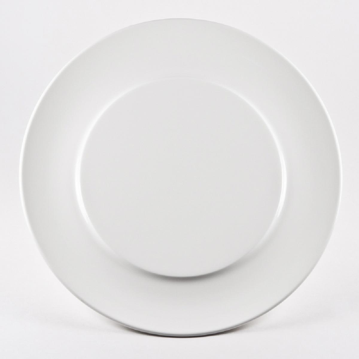 Тарелка Royal Porcelain Гонг, диаметр 31 смРП-8708Royal - новый уникальный продукт на рынке фарфора производится из материала, в состав которого входит алюминиум (глинозем) в виде порошка, что придаёт фарфору уникальные свойства: белоснежный цвет, как на поверхности, так и на изломе, более тонкие и изящные формы, так как добавление металла делает фарфоровую массу более пластичной, устойчивость к сколам и царапинам. Возможный перепад температур при эксплуатации до 200 градусов! Фарфор покрывается глазурью, что характеризует эту посуду как продукт высшего класса.Идеально подходит для использования в микроволновой печи и посудомоечной машине.