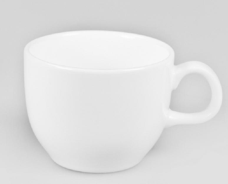 Чашка кофейная Narumi, 80 млРП-9795-2258Обозначение «Bone China» соответствует утонченному и изысканному костяному фарфору, популярность которого сейчас высока как никогда. Посуда из костяного фарфора этой фирмы имеет оригинальные формы, которые выделяют его среди продукции других фабрик. Продукцию этой фабрики характеризует значительная доля высококвалифицированного ручного труда, именно поэтому фарфор представляет собой высокий уровень, проявляющийся в изделиях для повседневного использования и праздничных ситуациях. Строгому контролю подвергаются все стадии подготовки сырьевого материала. Точно подготовленная смесь сырья является основной для получения после обжига высококачественных и стойких фарфоровых изделий, имеющих характерный блеск и прозрачную белизну на коле фарфора. Объединение ручного мастерства и дизайнерской идеи создает декоры, которые подчёркивают особую индивидуальность каждой формы. Сам процесс изготовления также сопровождается контролем качества на всех стадиях. Наряду с нанесением золотой, либо серебряной кромки на посуде вручную для многих декоров применяется особая традиционная техника печати. С помощью выполненных вручную штампов наносятся тонкие орнаменты из драгоценных металлов. Для получения характерного матового (шёлкового) блеска драгоценные металлы на изделиях полируются вручную .После совершения примерно 70 ручных рабочих операций каждый предмет проходит процесс финального контроля, при котором особенно тщательно проверяется его качество как целого изделия. В продажу поступает фарфор только высокого качества, отличающий уже много лет традиционную марку «NARUMI» Костяной фарфор фабрики «NARUMI» можно мыть в посудомоечной машине.