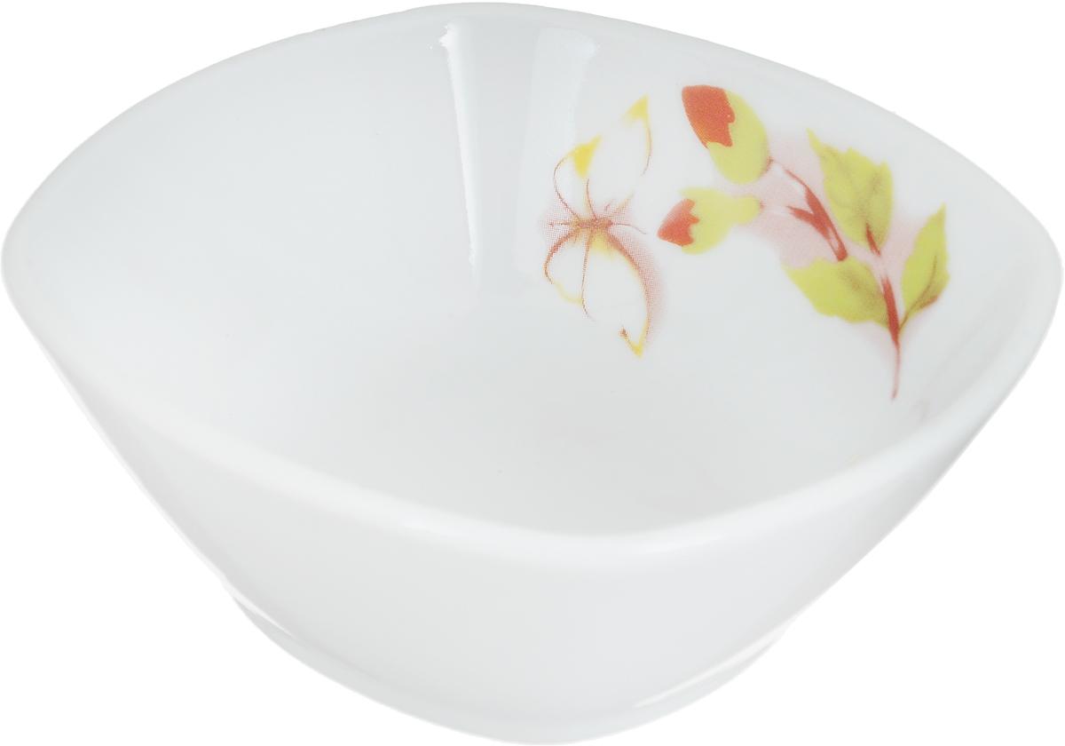 Салатник Дулевский Фарфор Альпийские цветы, квадратный, 150 мл070252Салатник Дулевский Фарфор Альпийские цветы выполнен из высококачественного фарфора,покрытого глазурью. Такой салатник отлично подойдет для подачи салатов, закусок, нарезок. Онкрасиво дополнит сервировку стола и станет полезным приобретением для кухни.