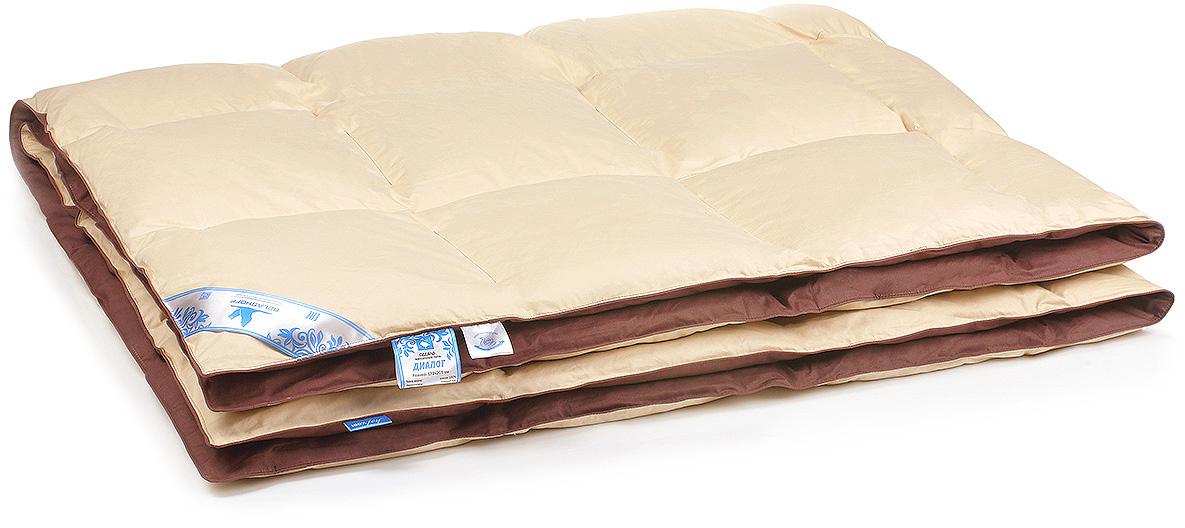 Одеяло Belashoff Диалог, кассетное, цвет: бежевый, шоколадный, 172 х 205 смОПП 3 - 2В изготовлении коллекции Диалог используется технология 2 в 1 - уникальное сочетание пухового наполнителя и полиэфирного микроволокна, что придает изделиям еще большую упругость и легкость в сочетании с традиционными теплоизоляционными и гигроскопичными качествами. Подушка с таким наполнителем обеспечит оптимальную поддержку головы во время сна, а одеяло согреет и создаст комфортные условия для отдыха.Концепцию 2 в 1 в коллекции Диалог подчеркивает сочетание двух контрастных цветов ткани.