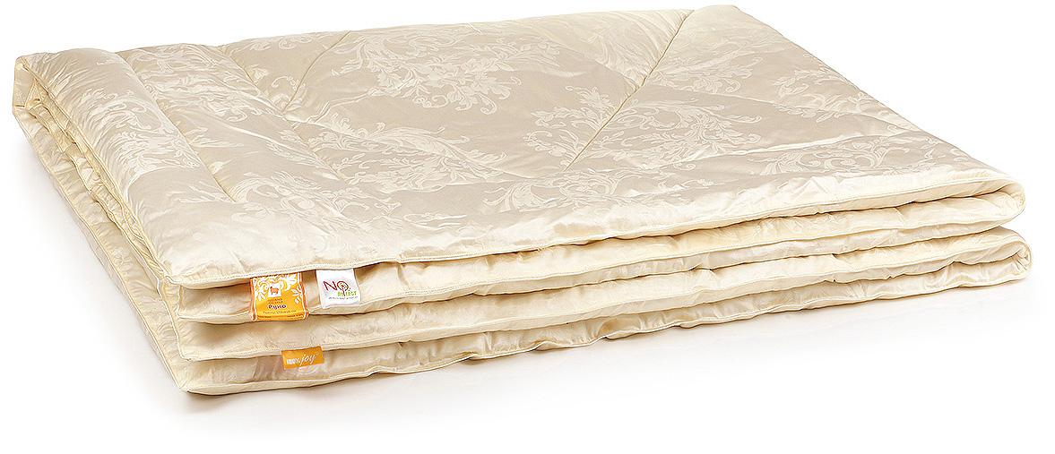 Одеяло Belashoff Руно, стеганое, цвет: бежевый, 140 х 205 смОШОС 3 - 1Для лучших снов — шерстяное одеяло коллекции Руно в изысканном сатине-жаккарде. Овечья шерсть подарит не только приятные ощущения во время отдыха, но и окажет терапевтическое действие, благодаря целебным свойствам и естественным климатическим качествам. Два варианта степени тепла.