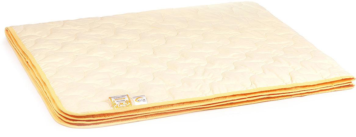 Одеяло-плед Belashoff Летнее, цвет: бежевый, 172 х 205 смОЛШ 4 - 2Все, что нужно для здорового, восстанавливающего сна — одеяло-плед с наполнителем из шерсти мериноса, воздухопроницаемое и прекрасно регулирующее влажность, предохраняющее от переохлаждения и перегрева.Благодаря содержащемуся в структуре шерсти ланолину, изделие отлично подходит людям, страдающим ортопедическими заболеваниями и аллергией.