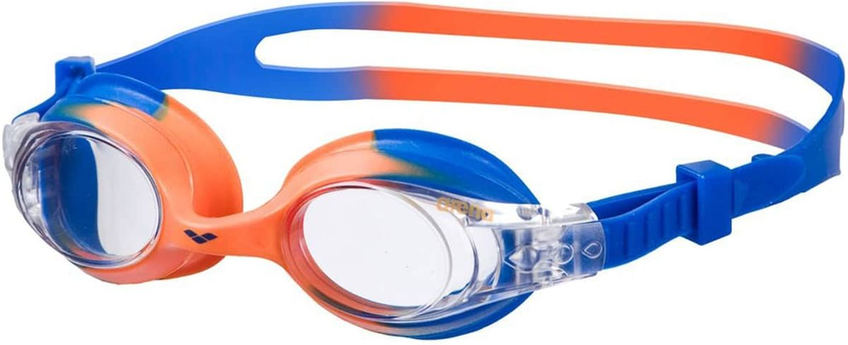 Очки для плавания Arena X-Lite Kids, цвет: оранжевый, голубойУТ-00001661Очки X-Lite Kids - высокоэластичные безопасные тренировочные очки для малышей. Жесткие ударопрочные линзы из поликарбоната обеспечивают четкий, неискаженный обзор под водой. Мягкий уплотнитель из гипоаллергенного силикона гарантирует плотное прилегание, герметичность и комфорт. Саморегулирующаяся переносица для идеальной посадки на лице. Раздвоенный ремешок с автоматически регулируемой системой контроля боковых клипс - удобство и легкость регулировки во время носки.Характеристики: Категория: детскиеМатериал линз: поликарбонатУплотнитель: силиконПереносица: саморегулирующаясяРемешок: регулирующийся, с боковыми клипсамиРазмер: одинЦвет: Blue/Orange/Clear