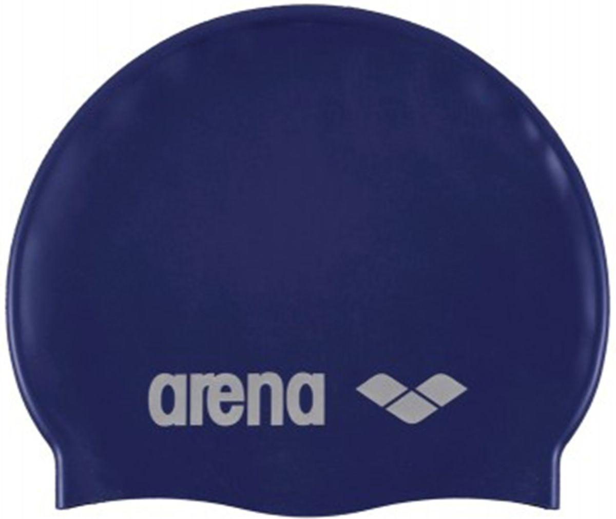 Шапочка для плавания Arena Classic Silicone Cap, цвет: темно-синийУТ-00009535Шапочка для плавания (силиконовая) Arena Classic Silicone Cap - комфортная мягкая шапочка для тренировок. Классическая плоская форма.Модель шапочки для плавания из силикона на ощупь материал препятствует склеиванию и прилипанию волос, облегчает снятие шапочки после использования.Силикон быстро сохнет, его не нужно посыпать тальком – достаточно после сеанса в бассейне сполоснуть шапочку в пресной проточной воде и высушить при комнатной температуре. Силиконовые шапочки довольно прочные, но длинные волосы лучше закреплять резинками, а не заколками. Силикон не вызывает аллергии и может использоваться людьми с чувствительной кожей.Характеристики:Материал: 100% силиконЦвет: denim/silverРазмер: один