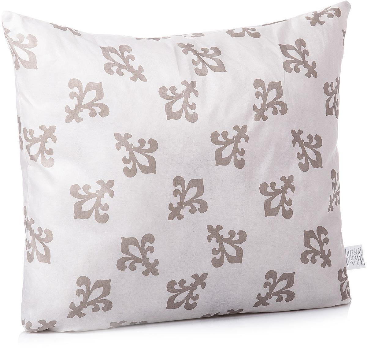 Подушка Тихий час Идеал, цвет: бежевый, белый, горичневый, 68 х 68 смТЧХ 1-1Коллекция синтетических подушек и одеял Идеал отличает высокое качество изделия при оптимальной цене. Наполнитель синтетических одеял и подушек коллекции Идеал — полое силиконизированное волокно, которое на сегодняшний день является самым популярным и экологически чистым наполнителем.Лёгкие в уходе и гигиеничные, эти изделия привлекают длительной износостойкостью и невысокой ценой. Подушки и одеяла Идеал гипоаллергенны. Изделие легко в уходе, возможна бережная стирка.