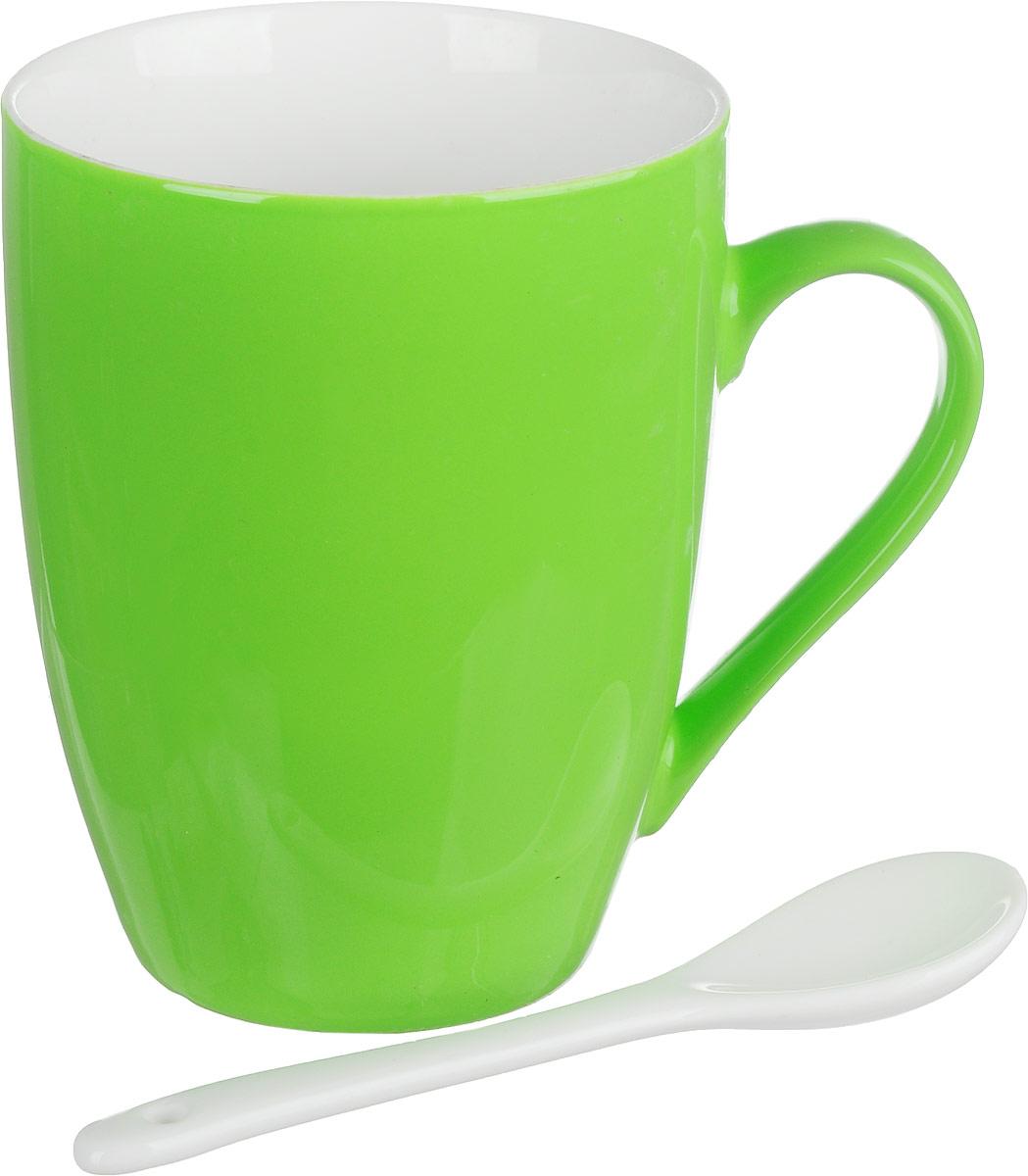 Кружка Доляна Радуга, с ложкой, цвет: салатовый, 300 мл699262_салатовыйКружка Доляна Радуга изготовлена из высококачественной керамики. Изделие оформлено ярким дизайном и покрыто превосходной сверкающей глазурью. Изысканная кружка прекрасно оформит стол к чаепитию и станет его неизменным атрибутом.В комплект входит чайная ложечка.Диаметр кружки (по верхнему краю): 8 см.Высота кружки: 10 см.