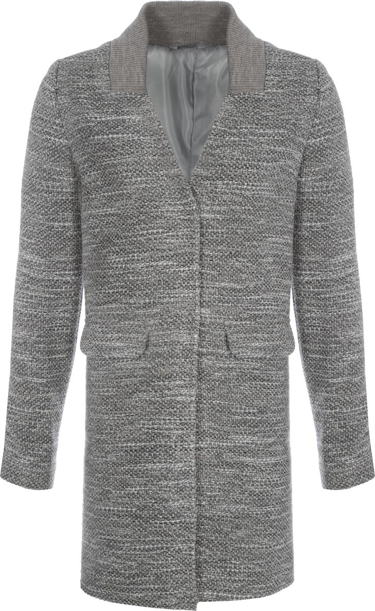 Пальто женское Alessandro Vasaio, цвет: светло-серый. 1382. Размер S (44)1382Молодежное пальто, слегка суженное к низу, выполненное из итальянской ткани. Модель на двух пуговицах с V-образным вырезом и эластичным трикотажным воротником.