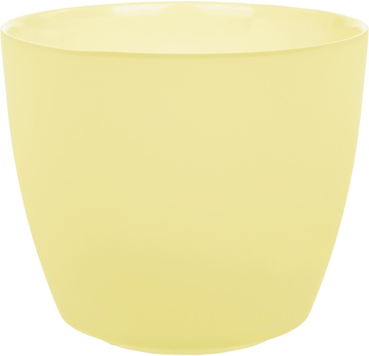 Кашпо Nina Glass НТ-3, цвет: ваниль, 1,7 лNG93-226VПродукция завода под брендом NinaGlass известна российскому потребителю необычностью форм и оригинальным декорированием. Главным достоинством стеклянных горшков является отсутствие пористости на их внутренней поверхности, что делает безопасной смену растительного состава. Предприятие производит два вида изделий для флористов:- стеклянные цветочные горшки с отверстием в дне для посадки в них цветов и растений и подставкой под горшок в виде блюдца;- кашпо без отверстия для укладки в них пластиковых контейнеров с цветами и растениями.Горшки и кашпо изготавливаются из опалового триплексного (тройного) стекла с различными видами декорирования водо- и износостойкими красками. Возможна окраска изделий изнутри. Матовая поверхность и окраска изнутри создают объемный эффект, а сами цвета очень мягкие и приятные. Также интересны и формы изделий, выполненные методом центробежного формования: - горшки НТ - современная модель горшка с поддоном, которые смотрятся как единое целое и обладают устойчивым широким дном;- кашпо НТ - глубокие, с небольшим радиусом выпуклости, хорошим широким дном. Кашпо-подсвечники в форме куба можно считать дополнительной опцией: вы можете оформить интерьер не только оригинальными горшками и кашпо, но также весьма привлекательными подсвечниками.Доступны 5 размеров горшков и кашпо и 3 размера кашпо-кубов. Продукция TM NinaGlass безопасна, функциональна, прочна и уникальна. Горшки и кашпо способны создать неповторимое настроение и стать центром интерьера в любом помещении.