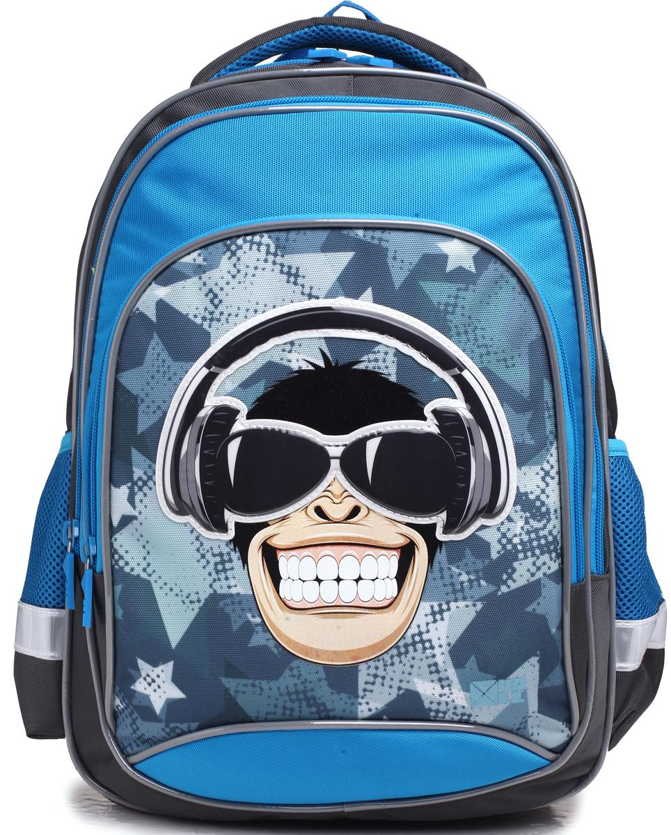 4ALL Рюкзак School цвет серый синийRU75-03P;RU75-03PРюкзак школьный 4ALL SCHOOL предназначен для девочек и мальчиков 1-4 классов средней школы. Материал рюкзака, полиэстер, стойкий к стиранию и воздействию неблагоприятных воздействий окружающей среды, морозоустойчив. Модель RU75 имеет 1 основное отделение, 1 дополнительное отделение передней панели, , 1 большой дополнительный карман-планшет спереди, 2 дополнительных карман-планшета сбоку рюкзака. Для заботы о здоровье и комфорте у рюкзака есть ортопедическая спина и мягкие регулируемые лямки с фиксатором. Все карманы рюкзака застегиваются с помощью практичных и удобных застежек-молний. По всем основным конструктивным элементам рюкзак отделан светоотражающим кордом. Рюкзак от компании 4ALL украшен рисунками, разработанными дизайнерами компании! они придутся по душе мальчикам и девочкам!