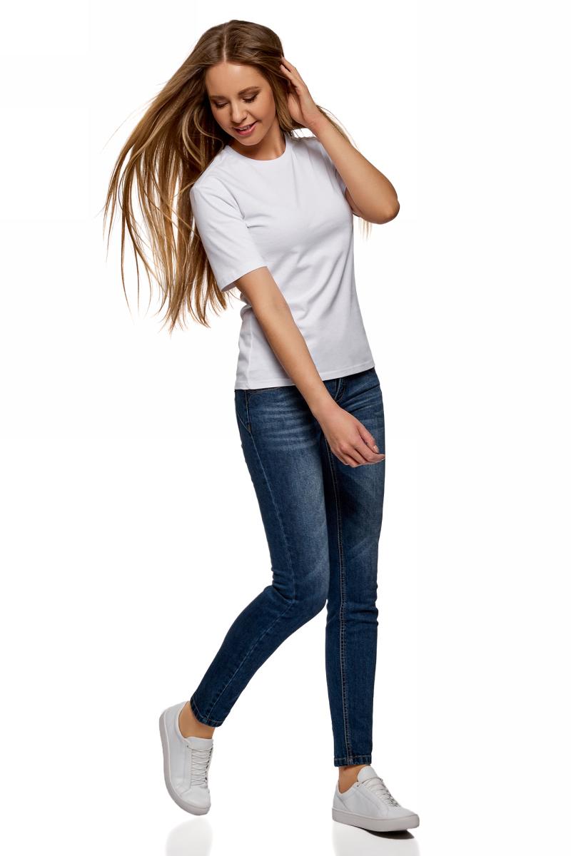 Футболка женская oodji Ultra, цвет: белый. 14701079B/46158/1000N. Размер XXL (52)14701079B/46158/1000NБазовая футболка от oodji выполнена из натурального хлопка. Модель свободного кроя с короткими рукавами и круглым вырезом горловины.