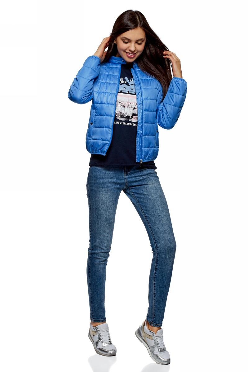 Футболка женская oodji Ultra, цвет: темно-синий. 14707001-57/46154/7919P. Размер XS (42)14707001-57/46154/7919PФутболка от oodji выполнена из натурального хлопка. Модель свободного кроя с короткими рукавами-реглан и круглым вырезом горловины спереди оформлена принтом. Рукава дополнены отворотами.