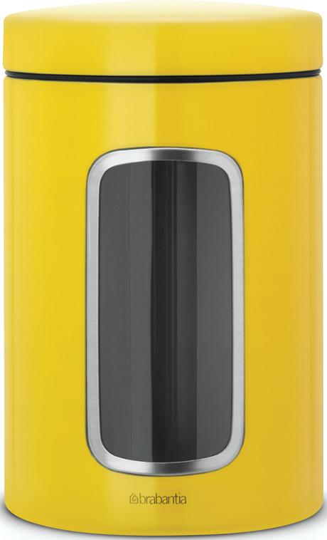 Контейнер для сыпучих продуктов Brabantia, с окном, цвет: желтый, 1,4 л486043Контейнеры Brabantia для сыпучих продуктов позволяют дольше сохранить Ваш кофе, чай, макаронные изделия и др. продукты свежими. •Благодаря антистатической поверхности содержимое контейнера не прилипает к пластиковому окошку, поэтому Вы всегда можете видеть, что и в каком количестве содержится в банке.•Специальная крышка не пропускает запахи и позволяет дольше сохранять аромат продуктов.•Контейнер изготовлен из антикоррозийной стали с защитным покрытием и легко чистится благодаря гладкой внутренней поверхности. •Контейнер Brabantia объемом 1,4 л вмещает 500 г кофе или 1 кг сахара. •Гарантия 10 лет.