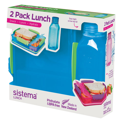 Набор емкостей Sistema Lunch, цвет: синий, 2 предмета. 15971597Практичное решение для перекуса вне дома – удобно брать с собой. Вместительный – контейнер (975 мл) с разделителями и бутылкой (475 мл).Бутылка в стиле Retro – квадратная форма и модные цвета.Гигиенично – безконтактное открытие и закрытие питьевого клапана. Подходит для использования в холодильнике и морозильной камере. Сохраняет свежесть продуктов – силиконовый уплотнитель. Плотное закрытие – фирменные защелки Sistema. Легко моется – можно мыть в посудомоечной машине. Безопасный – не содержит бисфенол А и фталаты. Разработано и произведено в Новой Зеландии.