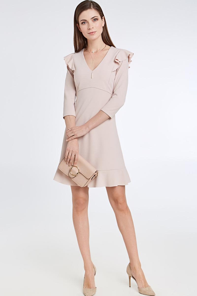 Платье Concept Club Helm, цвет: бежевый. 10200200423_800. Размер XS (42)10200200423_800Элегантное платье от Concept Club выполнено из качественного полиэстера. Модель приталенного силуэта с V-образным вырезом горловины и укороченными рукавами. Подол декорирован широкой оборкой. Плечи также оформлены воздушными оборками.