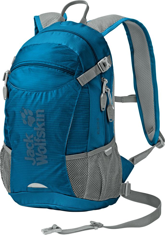 Рюкзак спортивный Jack Wolfskin Velocity 12, цвет: синий. 2004961-11212004961-1121;2004961-1121Любите кататься на велосипеде? Любите чувствовать ветер в лицо и наслаждаться проплывающими мимо пейзажами? Рюкзак Velocity 12 позаботится о том, чтобы все, что вам нужно, было у вас за спиной. Этот небольшой рюкзачок оснащен системой подвески. Он настолько плотно и удобно прилегает к телу, что вы почти не будете его замечать — прекрасное решение для энергичных занятий, таких как велоспорт и бег. Вентиляционный канал по центру спинки рюкзака, воздухопроницаемая набивка и дышащее сетчатое покрытие отвечают за охлаждение вашей спины во время движения. Практичные велосипедные фишки включают в себя карман для шлема, крепление для светодиодной подсветки спереди и специальный отсек для насоса или бутылки с водой.