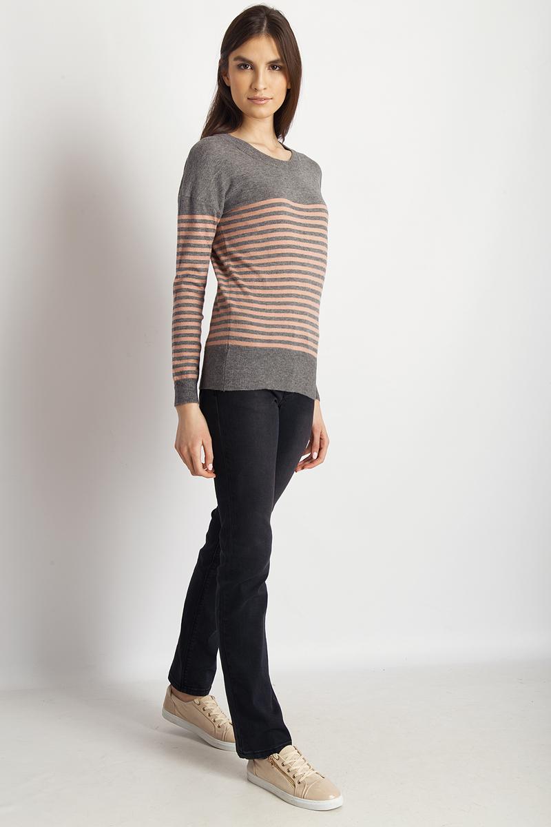 Джемпер женский Finn Flare, цвет: серый. B18-32100_205. Размер M (46)B18-32100_205Джемпер от Finn Flare выполнен из вискозной пряжи. Модель с длинными рукавами и круглым вырезом горловины.