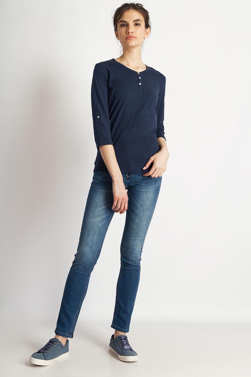 Лонгслив женский Finn Flare, цвет: темно-синий. B18-11099_101. Размер L (48)B18-11099_101Стильная женская футболка Finn Flare, выполненная из эластичного хлопка, необычайно мягкая и приятная на ощупь, не сковывает движения и позволяет коже дышать, обеспечивая комфорт. Модель с V-образным вырезом горловины и рукавами 3/4. Вырез горловины дополнен трикотажной бейкой, что предотвращает деформацию при носке.Футболка Finn Flare станет отличным дополнением к вашему гардеробу.
