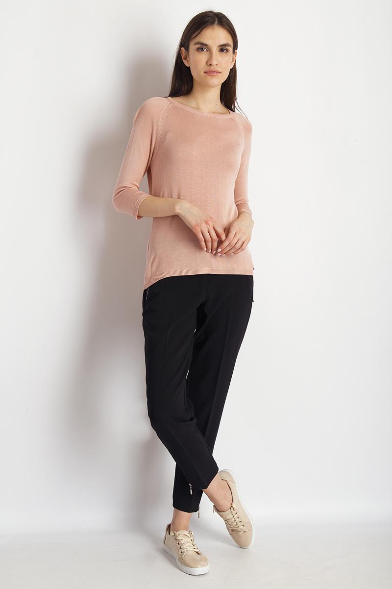 Джемпер женский Finn Flare, цвет: светло-розовый. B18-11123_314. Размер L (48)B18-11123_314Джемпер от Finn Flare выполнен из вискозно-акриловой пряжи. Модель с рукавами-реглан 3/4 и круглым вырезом горловины.