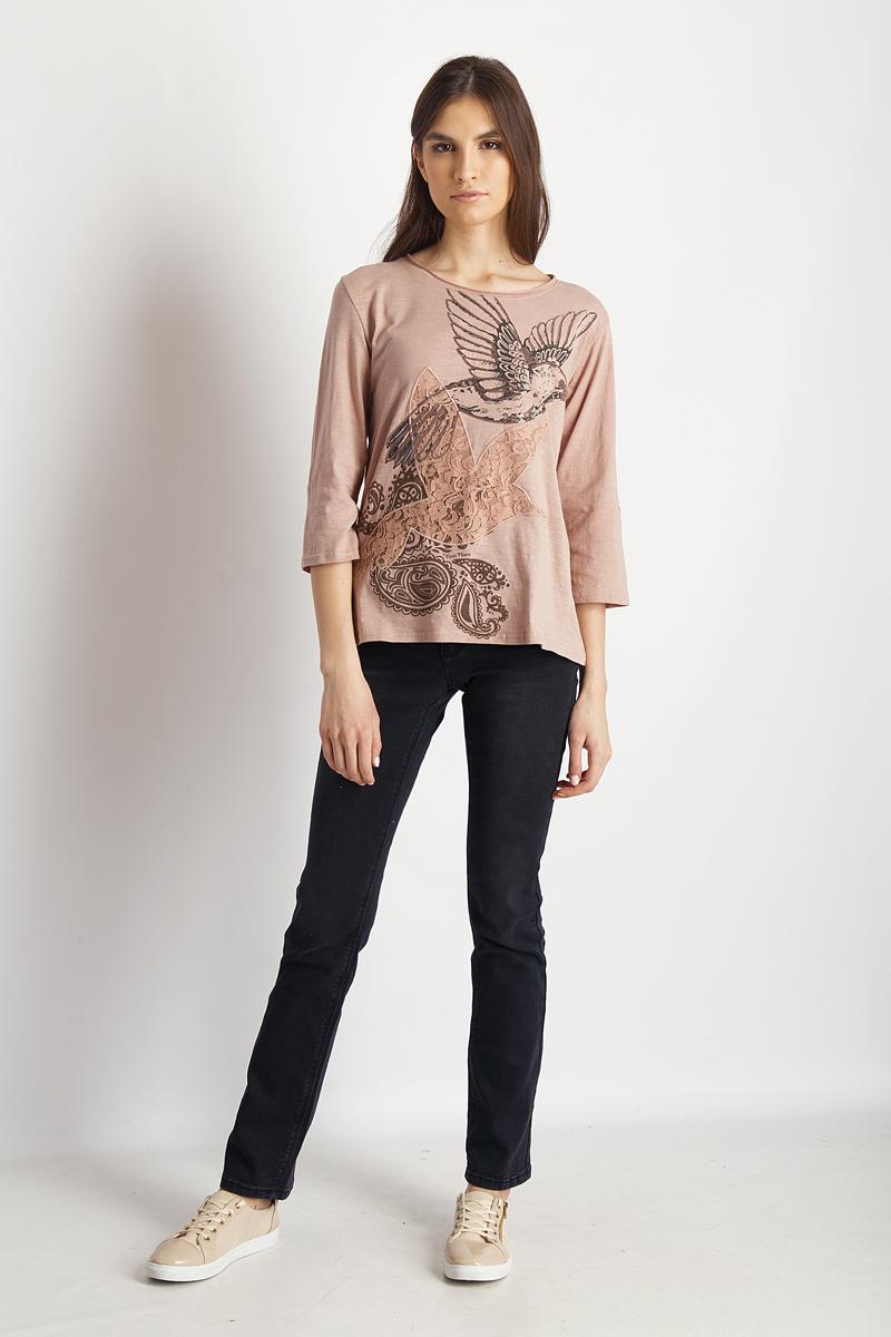 Футболка женская Finn Flare, цвет: пепельно-розовый. B18-32073_325. Размер M (46)B18-32073_325Стильная женская футболка Finn Flare, выполненная из эластичного хлопка, необычайно мягкая и приятная на ощупь, не сковывает движения и позволяет коже дышать, обеспечивая комфорт. Модель с круглым вырезом горловины и рукавами 3/4 имеет оригинальное оформление спереди. Вырез горловины дополнен трикотажной бейкой, что предотвращает деформацию при носке.Футболка Finn Flare станет отличным дополнением к вашему гардеробу.
