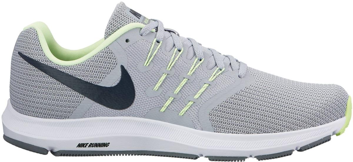 Кроссовки для бега мужские Nike Run Swift Running Shoe, цвет: серый. 908989-008. Размер 12 (45)908989-008Мужские беговые кроссовки Nike Run Swift идеально сидят на ноге благодаря дышащей сетке в передней части стопы и на пятке и сетке с плотным переплетением в средней части стопы для поддержки. Интегрированные нити Flywire надежно фиксируют среднюю часть стопы, а пеноматериал Cushlon создает амортизацию. Конструкция из сетки обеспечивает зональную вентиляцию и поддержку. Шнурки с интегрированными нитями Flywire для регулируемой поддержки. Подошва с вафельным рисунком повышает амортизацию и упругость. Сетка с плотным плетением на боковой части создает надежную поддержку, не жертвуя воздухопроницаемостью. Пеноматериал Cushlon обеспечивает мягкую, но упругую амортизацию и поддержку.