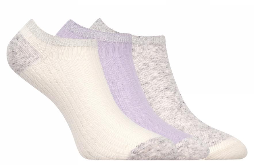 Носки женские oodji, цвет: кремовый, сиреневый, серый, 3 пары. 57102476T3/48412/19FAB. Размер 38/4057102476T3/48412/19FABКомплект от oodji состоит из трех пар укороченных носков. Носки выполнены из эластичного хлопкового материала с эластичной резинкой на паголенке.