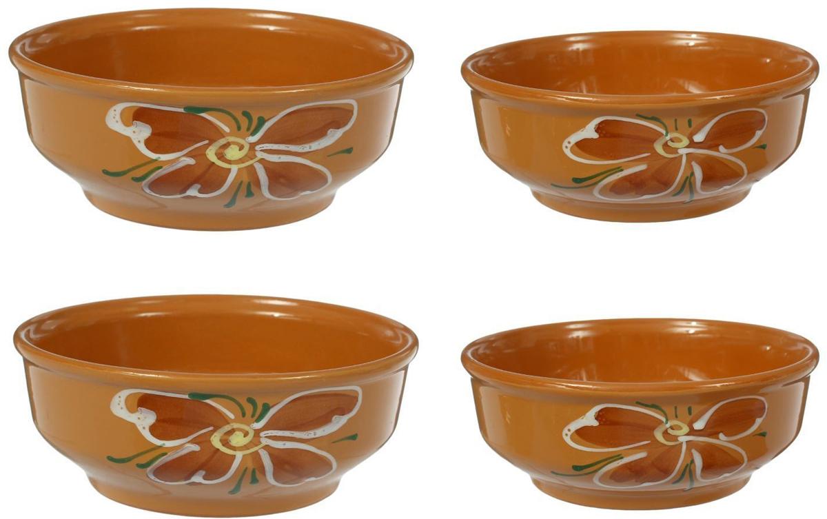 С помощью набора красивых керамических мисок вы сможете очень интересно сервировать стол. Миски в современном стиле отлично впишутся в ваш интерьер. Посуда выполнена из керамики. В набор входят 2 миски средние и 2 миски малые.