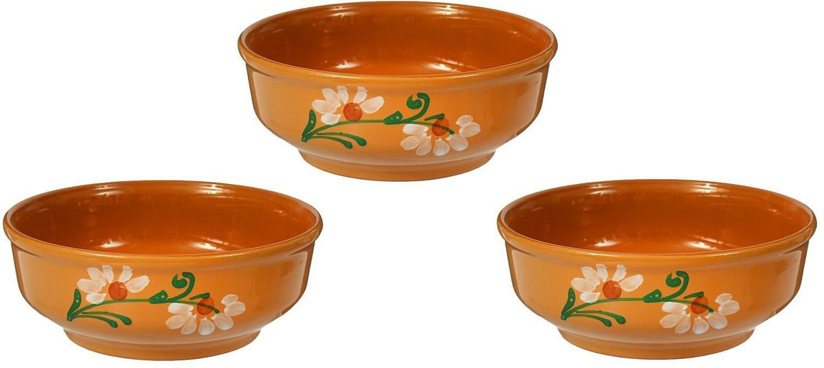 С помощью набора красивых керамических мисок вы сможете очень интересно сервировать стол. Миски в современном стиле отлично впишутся в ваш интерьер. Посуда выполнена из керамики.