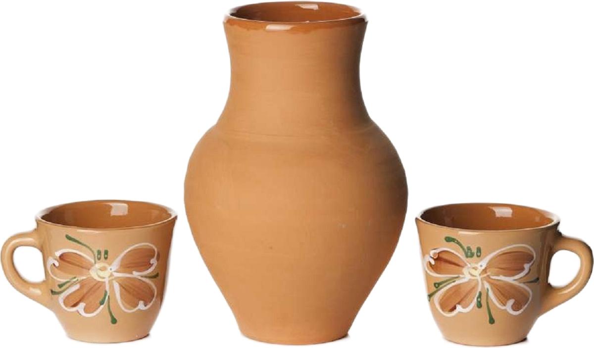 Набор Борисовская керамика, 3 предметаОБЧ00000229Набор Борисовская керамика состоит из крынки и двух чашек. Изделия выполнены извысококачественной керамики. Природные свойства этого материала позволяют долгосохранять температуру напитка, даже если вы пьете что-то холодное. Внешние стенки чашекоформлены оригинальным рисунком. Такой набор эффектно украсит любой кухонныйинтерьер и станет хорошим подарком для ваших близких.
