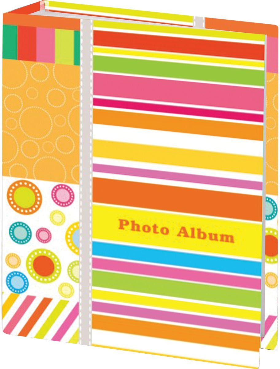 Фотоальбом Brauberg Абстракция, 96 фотографий, 10 x 15 см390661Фотоальбом с ярким дизайном обложки вмещает в себя 96 фотографий размером 10 х 15 см, каждая из которых помещается в отдельном прозрачном кармане. Страницы изготовлены из полипропилена и прочно прикреплены к корешку.