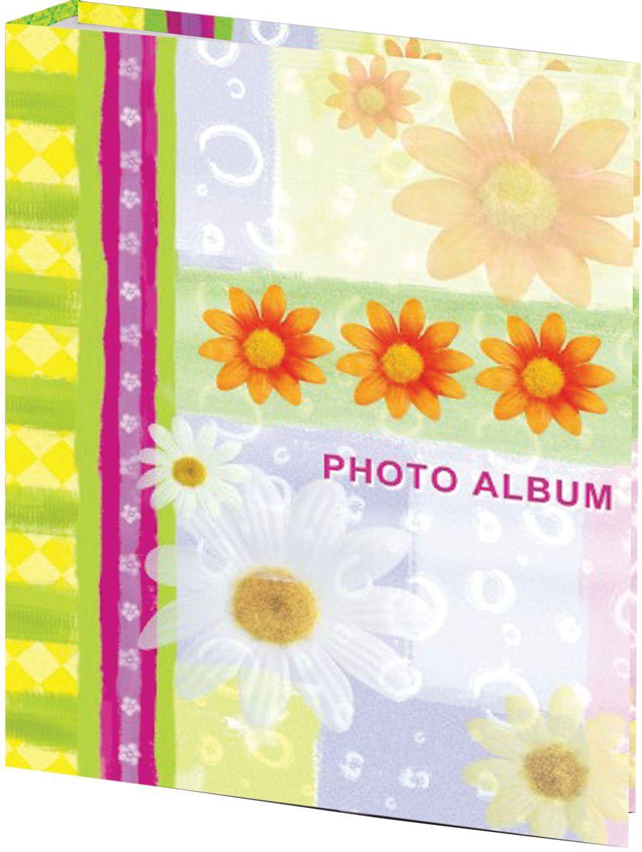 Фотоальбом с жизнерадостным дизайном обложки вмещает более 200 фотографий размером 10 х 15 см, каждая из которых помещается в отдельном прозрачном кармане. Страницы изготовлены из полипропилена и прочно прикреплены к корешку.