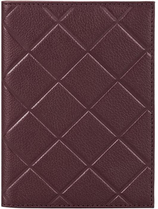 Обложка для паспорта женская Fabula, цвет: бордовый. O.89.FPНатуральная кожаОбложка для паспорта из коллекции SOFT выполнена из натуральной кожи. На внутреннем развороте 2 кармана из прозрачного пластика, шелковистая подкладка. Отличительная черта: тиснение в форме ромба.