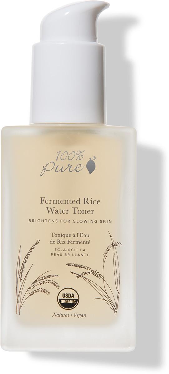 100% Pure Коллекция Рисовая вода: Органический тонер, 118 мл1FFRWTФерментированная рисовая вода (известная как сакэ) богата энзимами, аминокислотами, насыщена яблочной кислотой, минералами и витаминами. Она питает, смягчает и придает коже здоровый вид. Экстракты белой шелковицы, грибов шиитаки, лакричного корня и цитруса поддерживают баланс кожи, уменьшают появление темных пятен и осветляют кожу. Гиалуроновая кислота в составе увлажняет и разглаживают Вашу кожу.