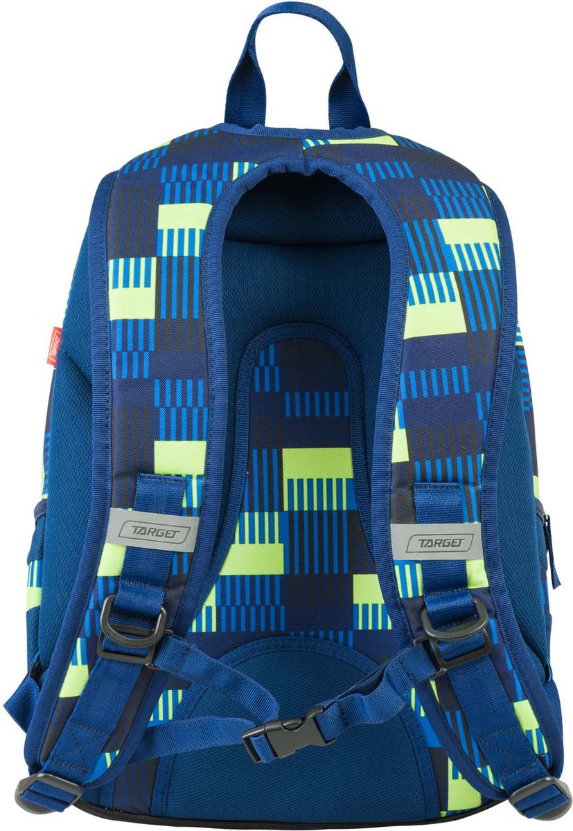Target Рюкзак детский Allover цвет синий21421;21421Рюкзак имеет яркий рисунок и изготовлен из современных, прочных материалов. Он имеет 2 больших отделения на молнии. На внешней стороне рюкзака расположен большой накладной карман. По бокам имеются два кармана на резинке. Бегунки на застежках дополнены удобными тканевыми держателями. Особенности рюкзака: регулируемые лямки, отсек для авторучек, плотная тканевая ручка сверху рюкзака, отделение для ключей и ортопедическая спинка.